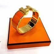 Hermes CliClac Size M เส้นปกติ สีส้ม อะไหล่ทอง
