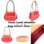 Louis Shoulder bag หนังแก้วสีแดง