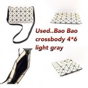 Bao Bao crossbody 4x6 light gray